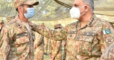 Army chief appreciates troops' operational preparedness during visit to LoC